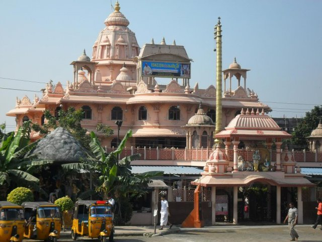 Iskcon Temple timings, opening time, entry timings, visiting hours